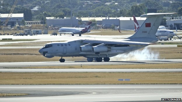 Chinese aircraft in Perth