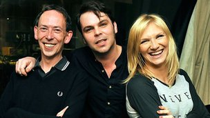 Gaz Coombes with Jo Whiley and Steve Lamacq