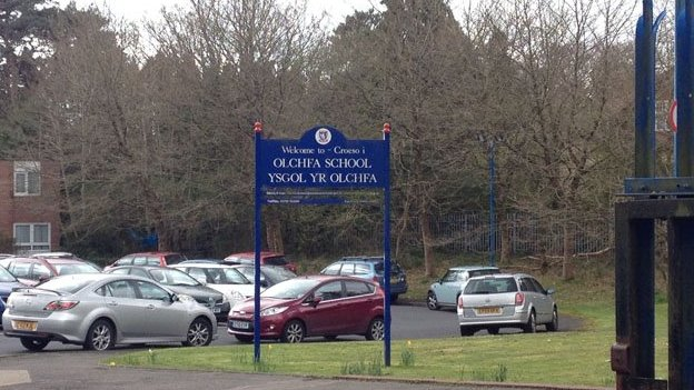 Sign outside Olchfa Comprehensive School in Swansea