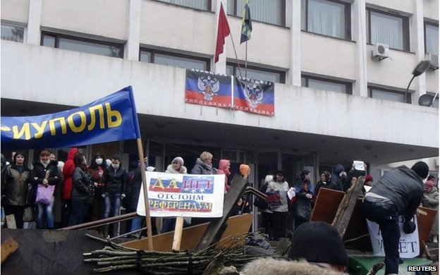 Protesters occupy the mayor's office in Mariupol
