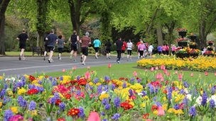 runners in Cannon hill park