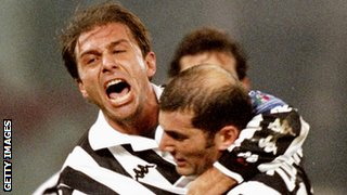 Antonio Conte celebrates with Zinedine Zidane