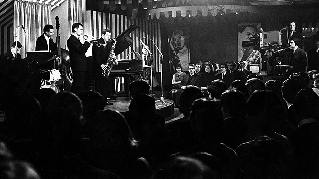 Tubby Hayes (saxophone) Jimmy Deuchar (trumpet), Allan Ganley (drums), Freddie Logan (bass) Terry Shannon (piano) and Steve Race (compere) on Jazz 625