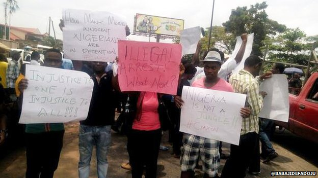 A photo of a protest to release  Yusuf Siyaka Onimisi in Lagos