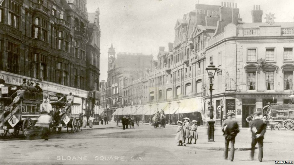 Peter Joans in sloane square, 1910