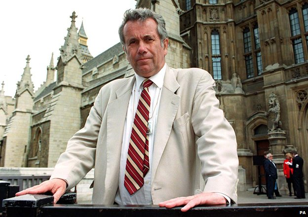 Martin Bell photographed outside Westminster in 1998