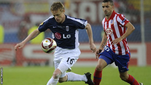 Damien Duff in action in the 2010 Europa League final.