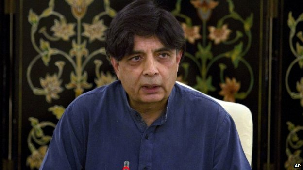 Pakistani Interior Minister Chaudhry Nisar Ali Khan speaks during a press conference in Islamabad, Pakistan, 13 April 2014