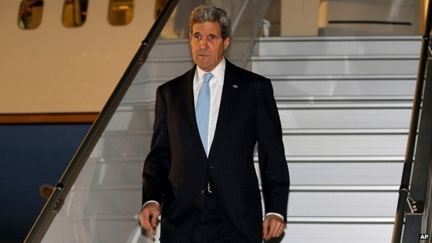 US Secretary of State John Kerry arriving in Geneva, 16 April 2014