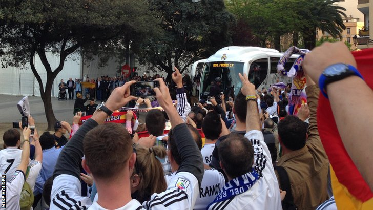 The Real Madrid coach arrives