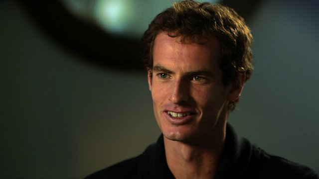 Andy Murray hums along to the Wimbledon theme tune