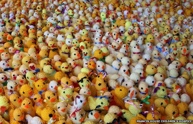 Knitted Easter chicks