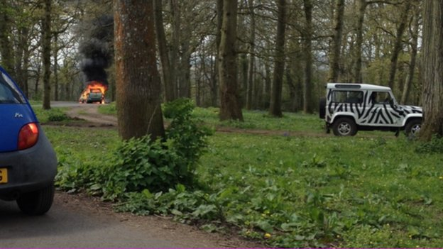 Car fire in the lion enclosure at Longleat