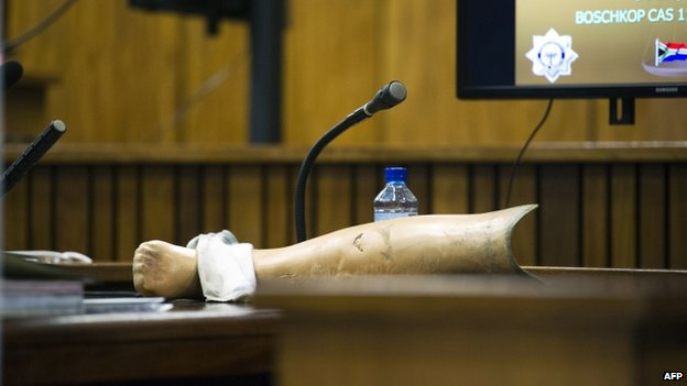 A prosthetic leg is seen on a table at the murder trial of Oscar Pistorius in Pretoria (17 April 2014)