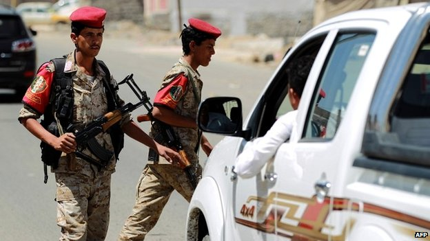 Yemeni soldiers man a checkpoint in the capital Sanaa - 15 April 2014