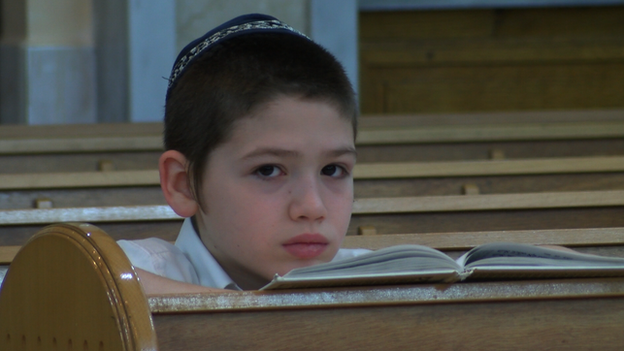 Jewish boy in Donetsk (18 April)