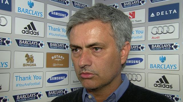 Chelsea 1-2 Sunderland: Jose Mourinho 'congratulates' referee