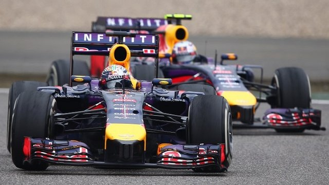 Sebastian Vettel and Daniel Ricciardo battle it out in China