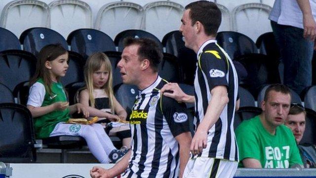 Paul McGowan (left) put St Mirren 2-0 ahead