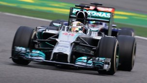 Lewis Hamilton has won his third race in a row at the Chinese Grand Prix