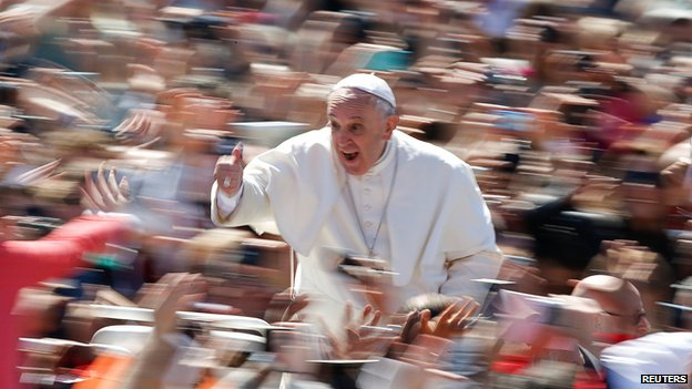 Pope Francis leads Easter Mass on 20 April 2014