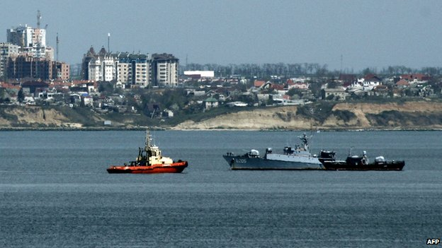 Ukrainian Navy corvette Vinnitsa enters the bay of the city of Odessa, on April 20
