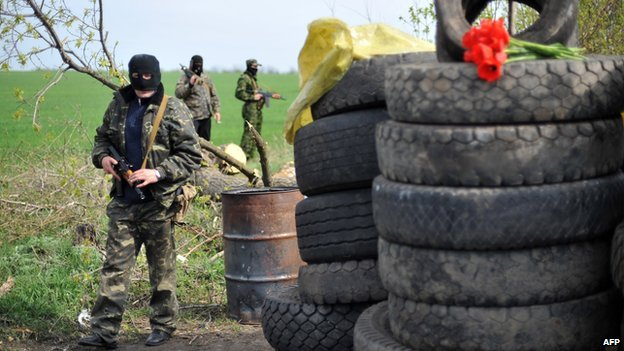 Pro-Russian gunmen at roadblock attacked on Sunday near Sloviansk