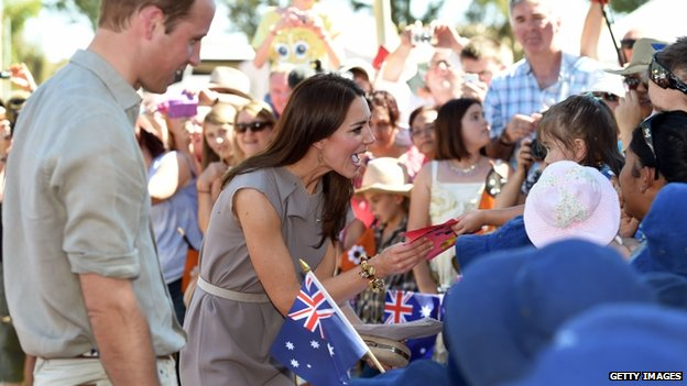 Duke and Duchess of Cambridge meets crowds close to Uluru