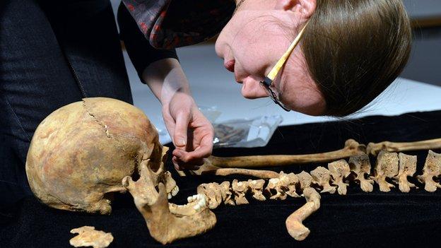 Jo Appleby with Richard's skeleton