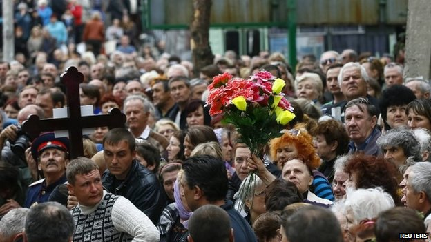 Funerals in Sloviansk, eastern Ukraine, 22 April