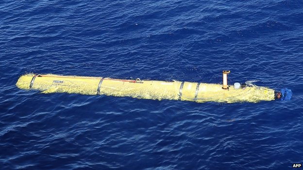 The Phoenix Autonomous Underwater Vehicle (AUV) Artemis beginning its dive in the search for the missing Malaysia Airlines flight MH370 in the Indian Ocean (20 April 2014)
