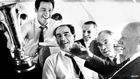 Joe Harvey (centre) and team flying home with the Fairs Cup in 1969