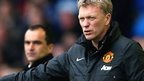 David Moyes watched by Everton manager Roberto Martinez