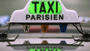 Taxi sign at Gare du Nord