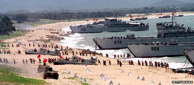 Chinese military simulate an invasion of Taiwan