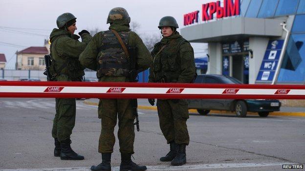 Russian troops in Kerch, Crimea, 3 Mar 14