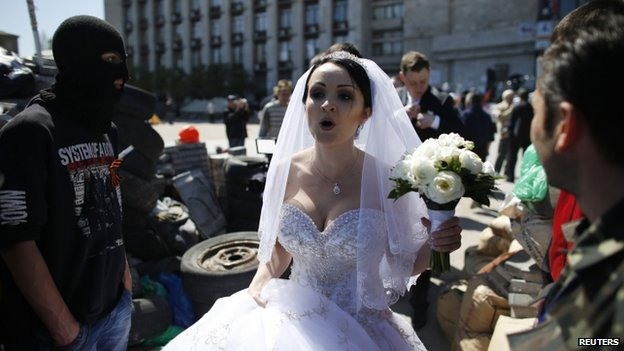 Bride in Donetsk (25 April 2014)