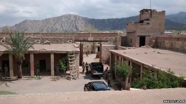 Chagmalai Fort, April 2014