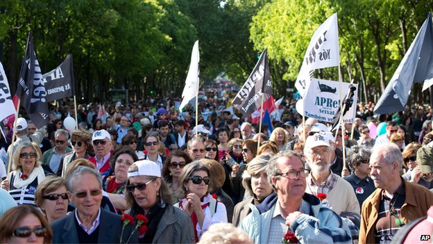 "Tens of thousands fill Lisbon""s Liberdade Avenue in a march celebrating the 40th anniversary of the Carnation Revolution Friday, April 25"