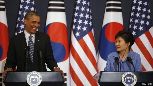 Barack Obama (left) and South Korean President Park Geun-hye in Seoul. Photo: 25 April 2014