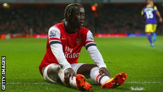 Arsenal have offered Bacary Sagna a contract extension but the Frenchman has yet to accept