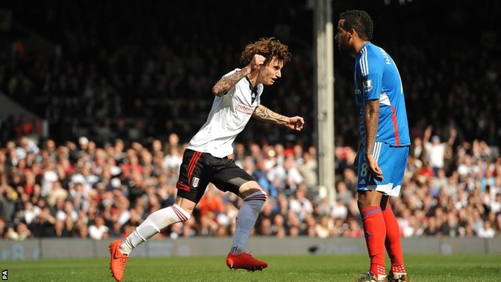 Fernando Amorebieta celebrates scoring his side's second goal