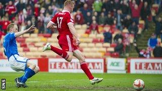 Adam Rooney goal