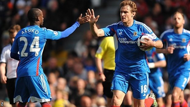 Nikica Jelavic celebrates a goal at Fulham