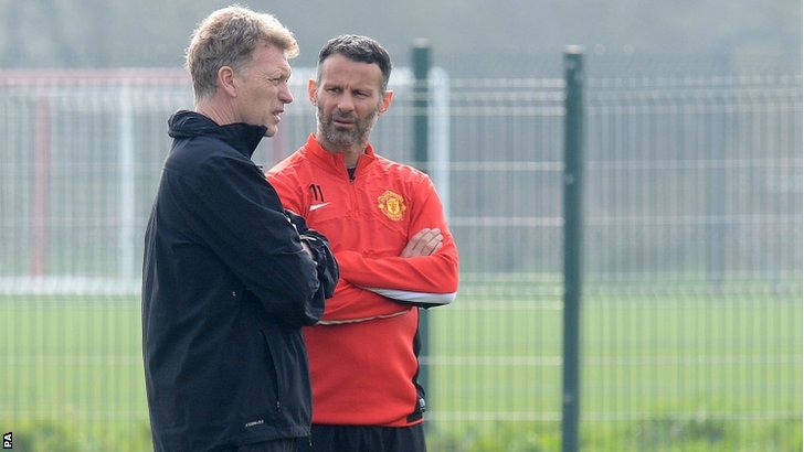 "Manchester United""s Ryan Giggs with previous Manchester United manager David Moyes."