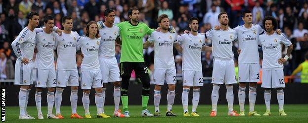 Real Madrid held a minute's silence before their game with Osasuna following the death of former Barcelona manager Tito Vilanova