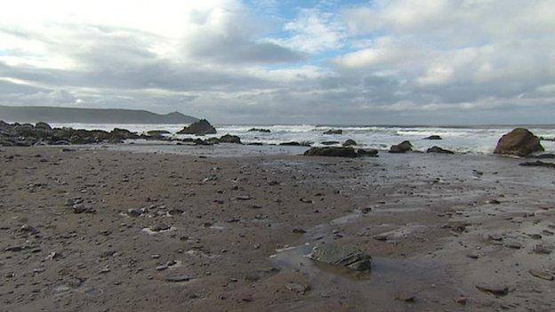 Tregonhawke Beach
