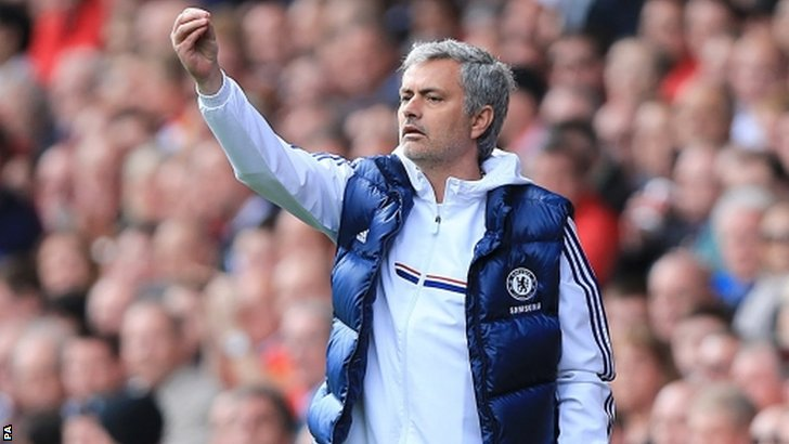 Chelsea manager Jose Mourinho gives instructions on the touchline
