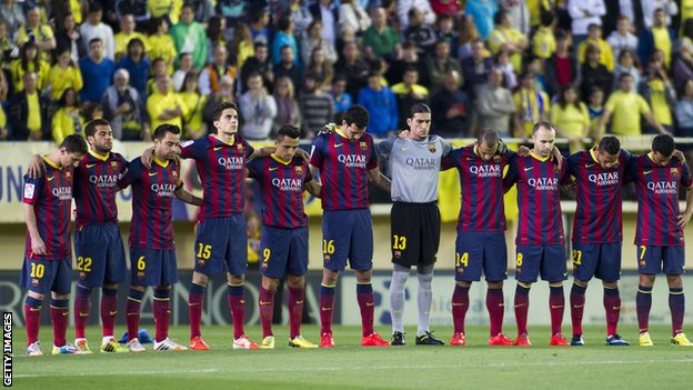Barcelona's players looked emotional during a minute's silence for their former coach Vilanova