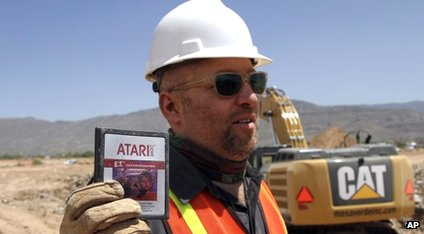 Zak Penn holds a copy of ET